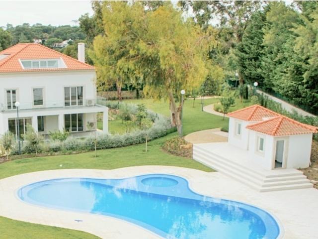 5 Bedroom Apartment Cascais, Lisbon Ref: AAM159