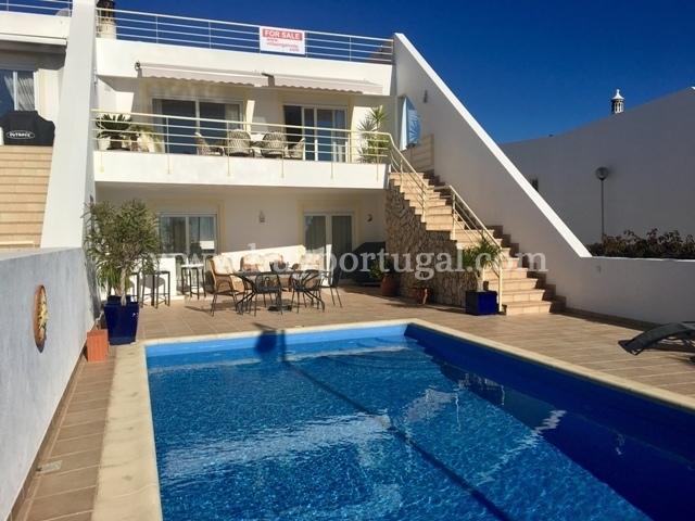 4 Bedroom Townhouse Praia da Luz, Western Algarve Ref: GV562