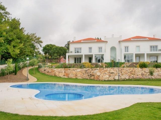 4 Bedroom Apartment Cascais, Lisbon Ref: AAM162