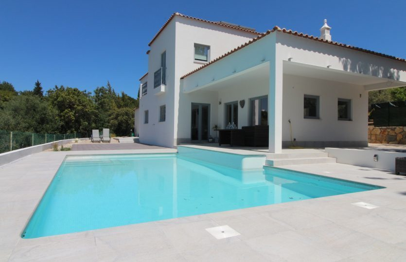 3 Bedroom Villa Loule, Central Algarve Ref: PV3442