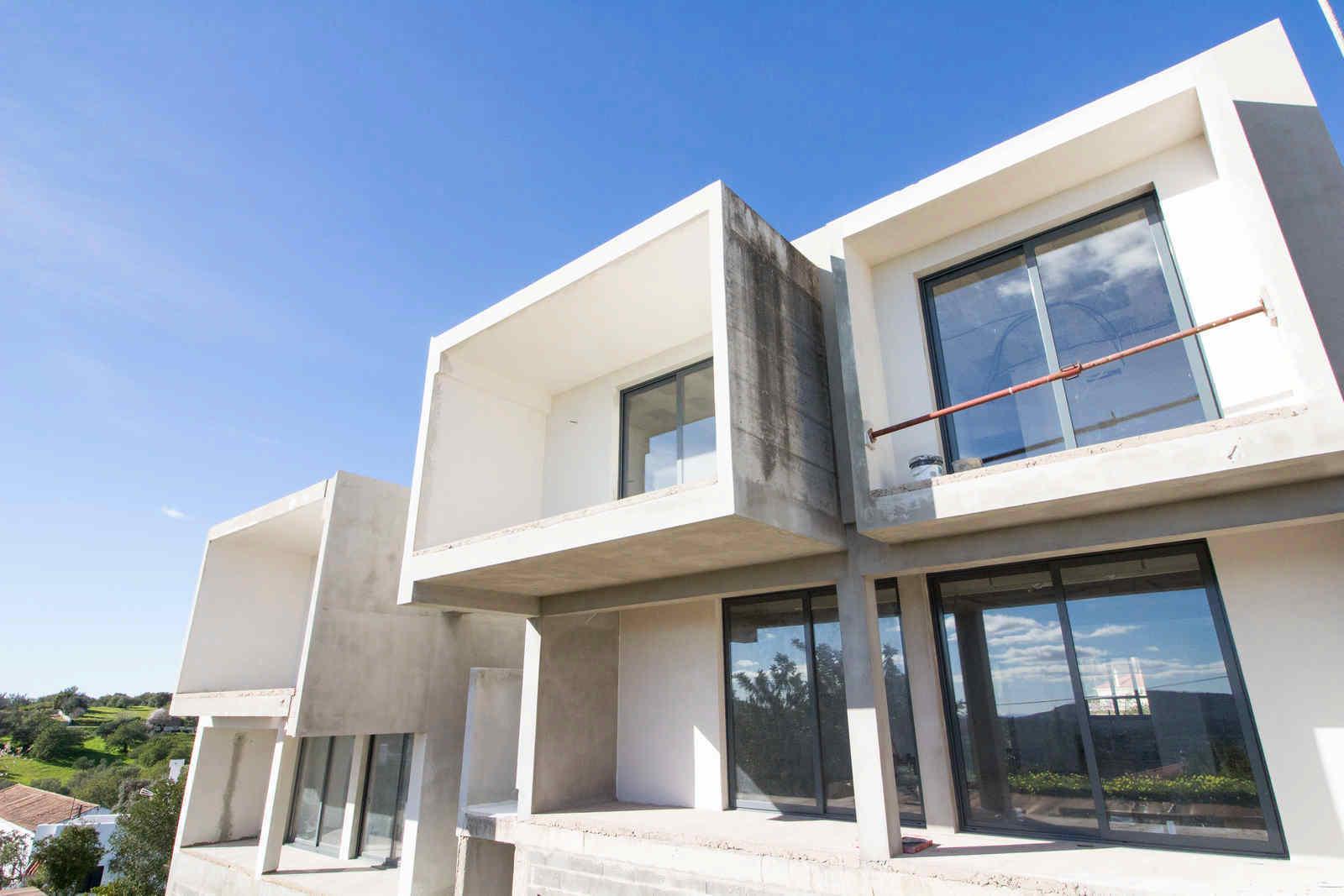 4 Bedroom Villa Sao Bras de Alportel, Central Algarve Ref: PV3437