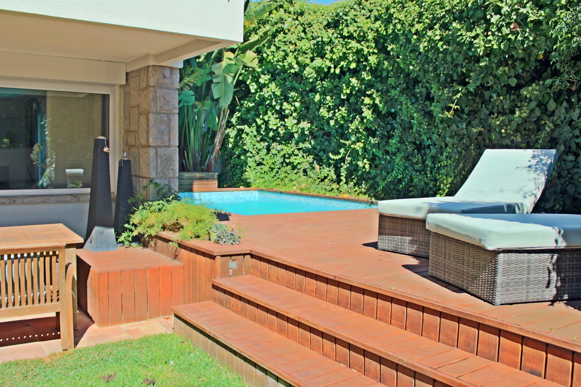 5 Bedroom Villa Cascais, Lisbon Ref: AVI301