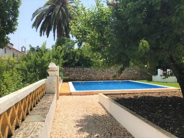 12 Bedroom House Vila Vicosa, Alentejo Ref: AVM164