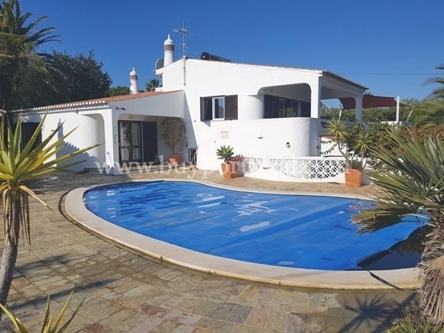 5 Bedroom Villa Praia da Luz, Western Algarve Ref: GV247