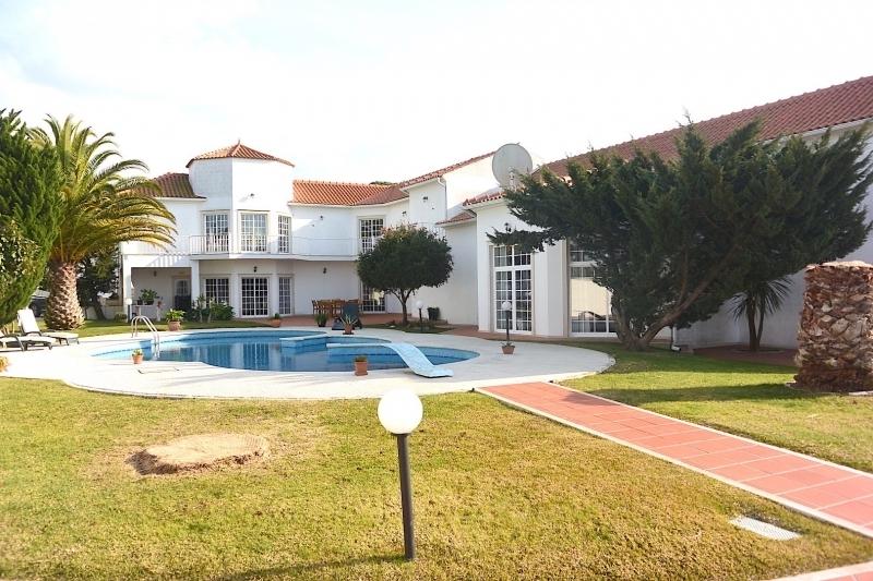 4 Bedroom Villa Caldas da Rainha, Silver Coast Ref: AV1957