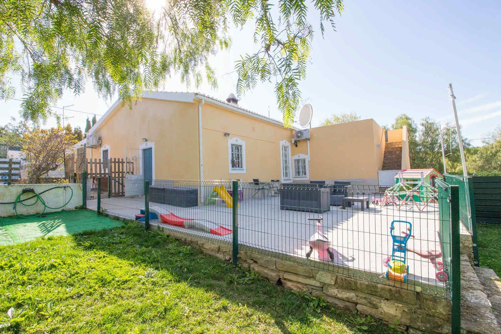 3 Bedroom Villa Sao Bras de Alportel, Central Algarve Ref: PV3457