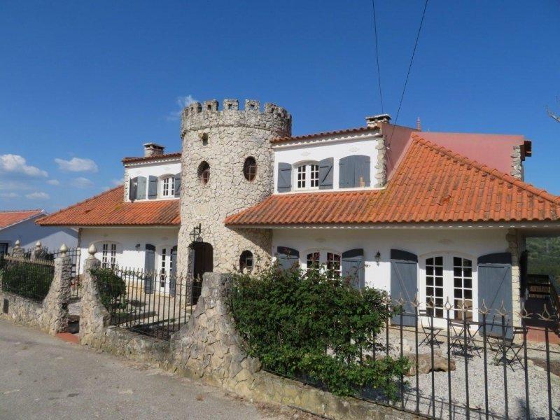 5 Bedroom Villa Caldas da Rainha, Silver Coast Ref: AV1963