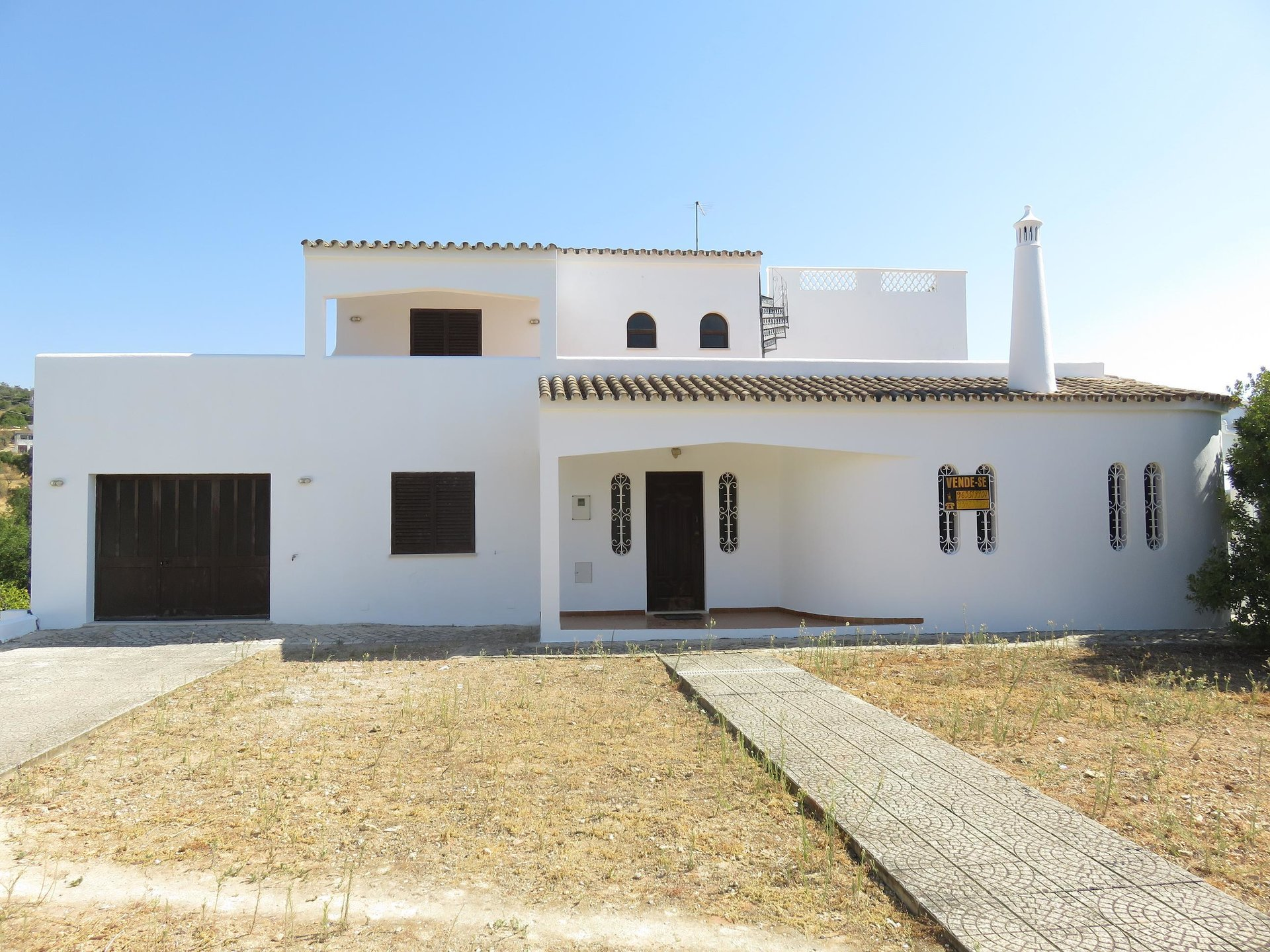 6 Bedroom Villa Loule, Central Algarve Ref: MV21981
