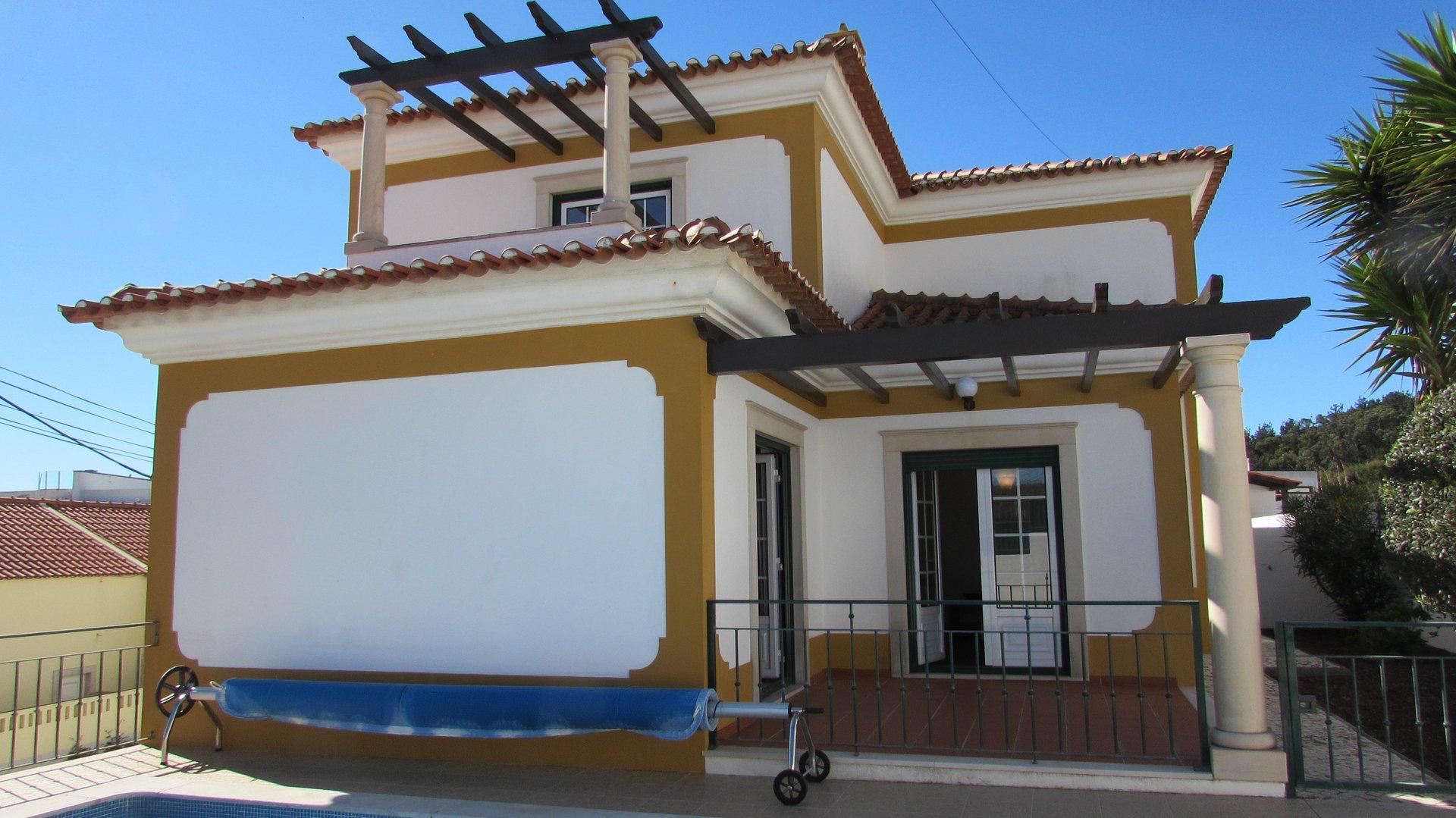 4 Bedroom Villa Foz do Arelho, Silver Coast Ref: AV1965