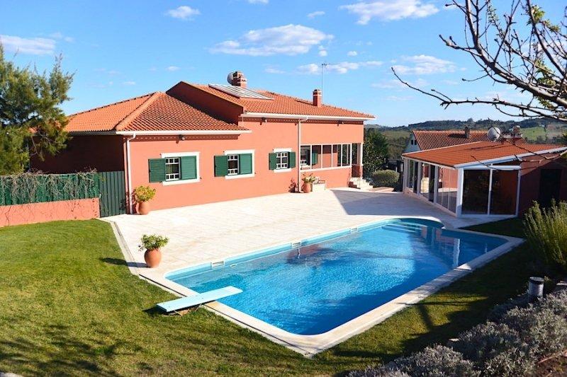 4 Bedroom Villa Caldas da Rainha, Silver Coast Ref: AV1966