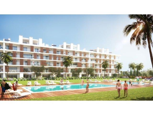 3 Bedroom Apartment Albufeira, Central Algarve Ref: AAA26