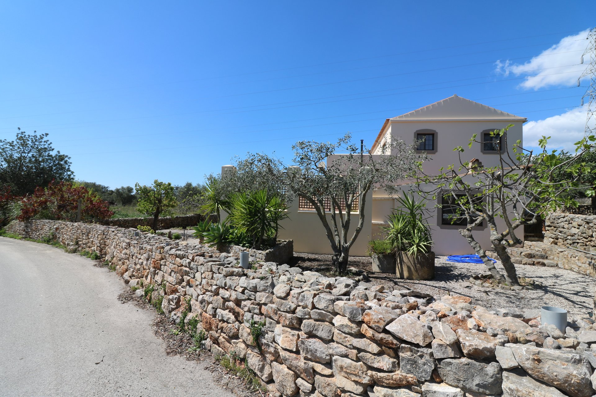 6 Bedroom Villa Sao Bras de Alportel, Central Algarve Ref: JV10347