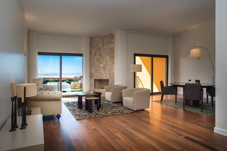3 Bedroom Villa Cascais, Lisbon Ref: AVI315