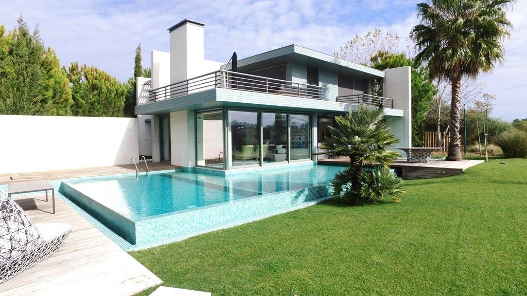 4 Bedroom Villa Setubal, Lisbon Ref: AVI316
