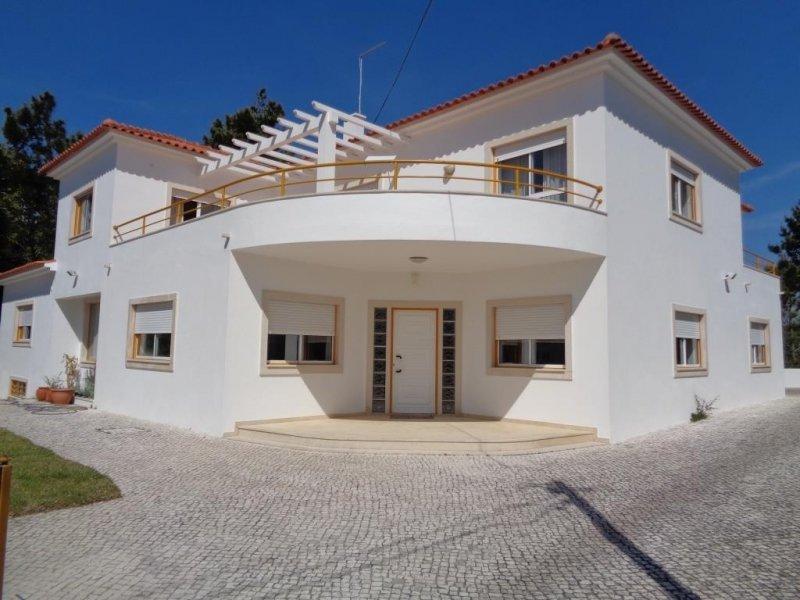 5 Bedroom Villa Caldas da Rainha, Silver Coast Ref: AV1970