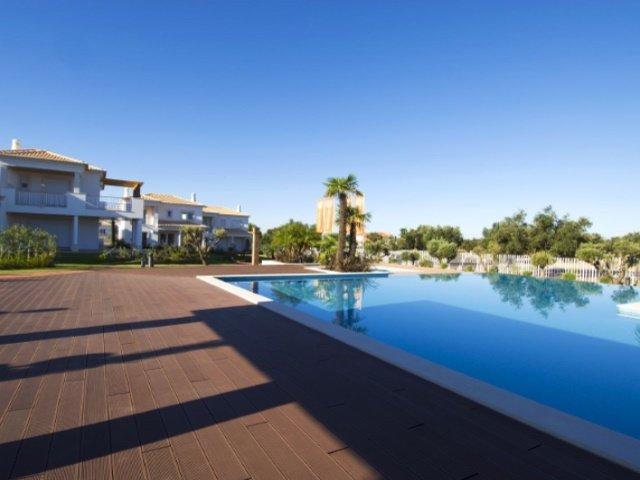 4 Bedroom Villa Vilamoura, Central Algarve Ref: AVA33