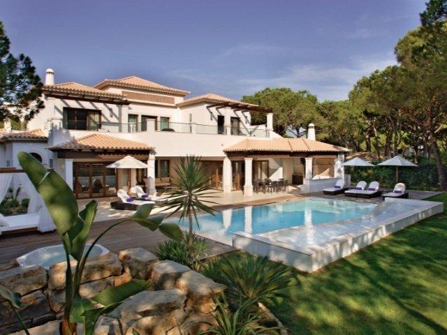 4 Bedroom Villa Albufeira, Central Algarve Ref: AVA34