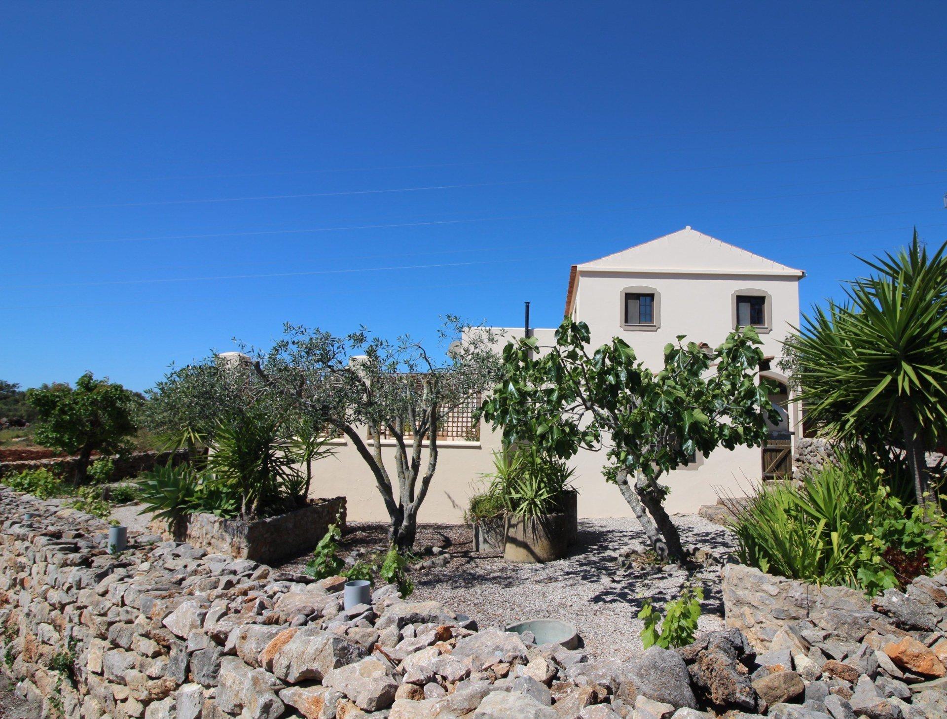 6 Bedroom Villa Sao Bras de Alportel, Central Algarve Ref: MV22563