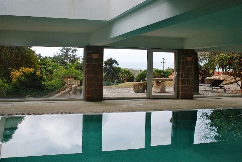 6 Bedroom Villa Cascais, Lisbon Ref: AVI321
