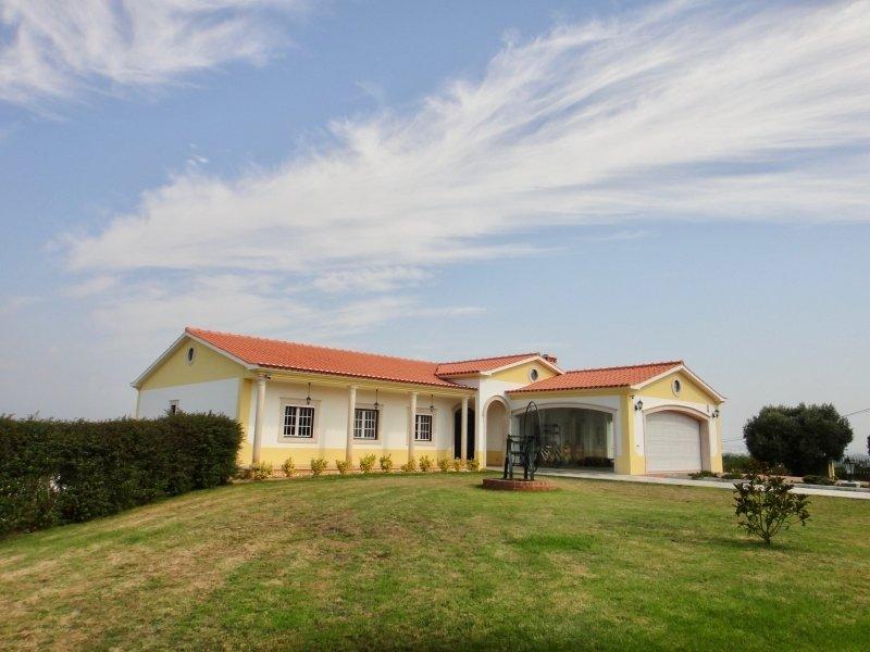 6 Bedroom Villa Foz do Arelho, Silver Coast Ref: AV1974