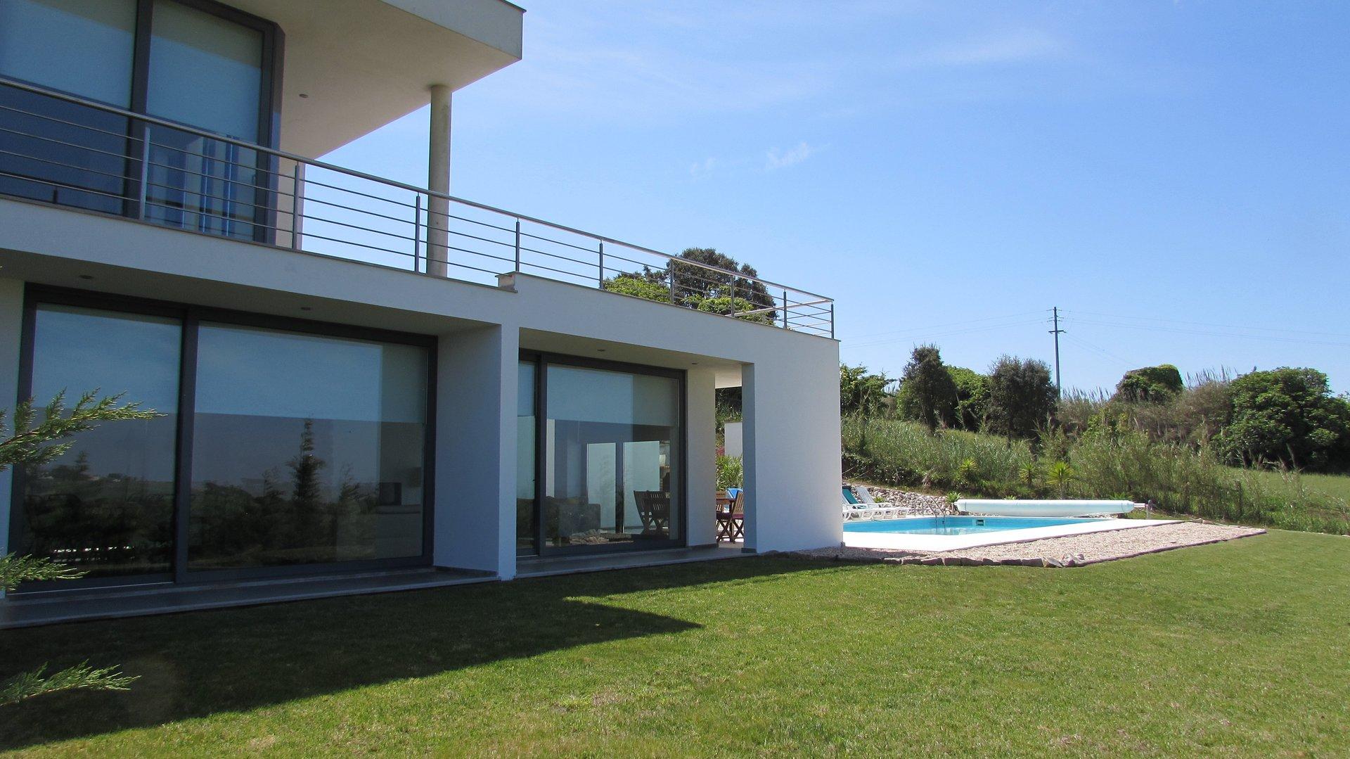 4 Bedroom Villa Bombarral, Silver Coast Ref: AV1976