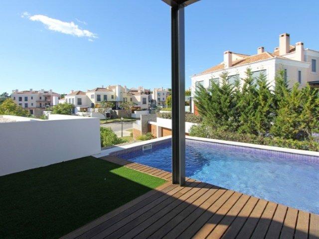 2 Bedroom Villa Vale do Lobo, Central Algarve Ref: AVA43