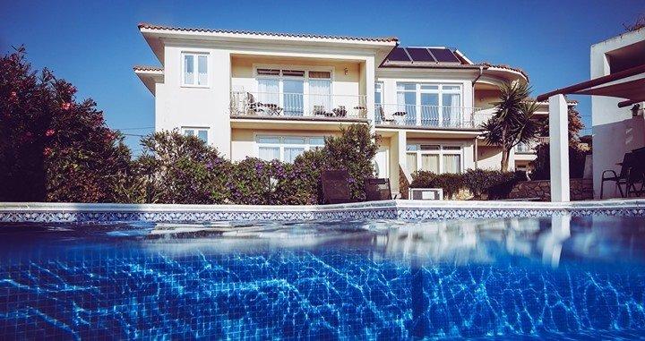 11 Bedroom Villa Raposeira, Western Algarve Ref: GV574