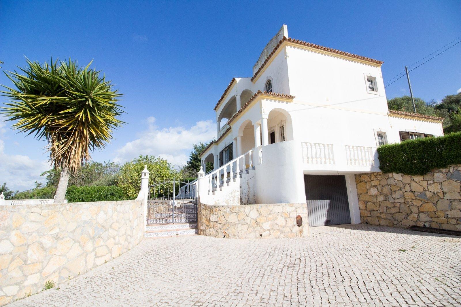 4 Bedroom Villa Boliqueime, Central Algarve Ref: PV3347
