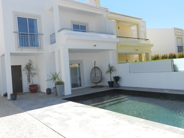 4 Bedroom Townhouse Lagos, Western Algarve Ref: GV571