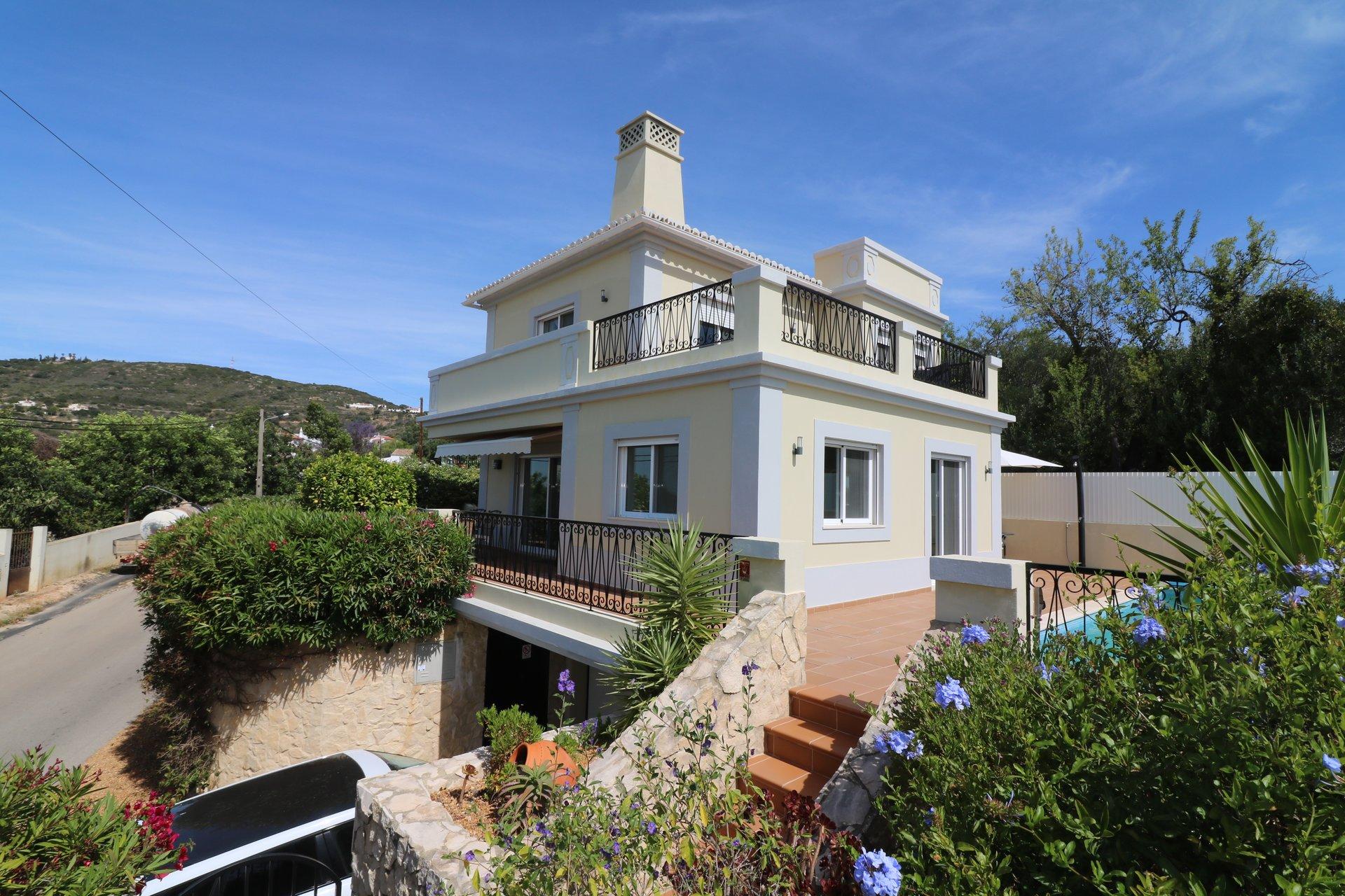3 Bedroom Villa Santa Barbara de Nexe, Central Algarve Ref: JV10358