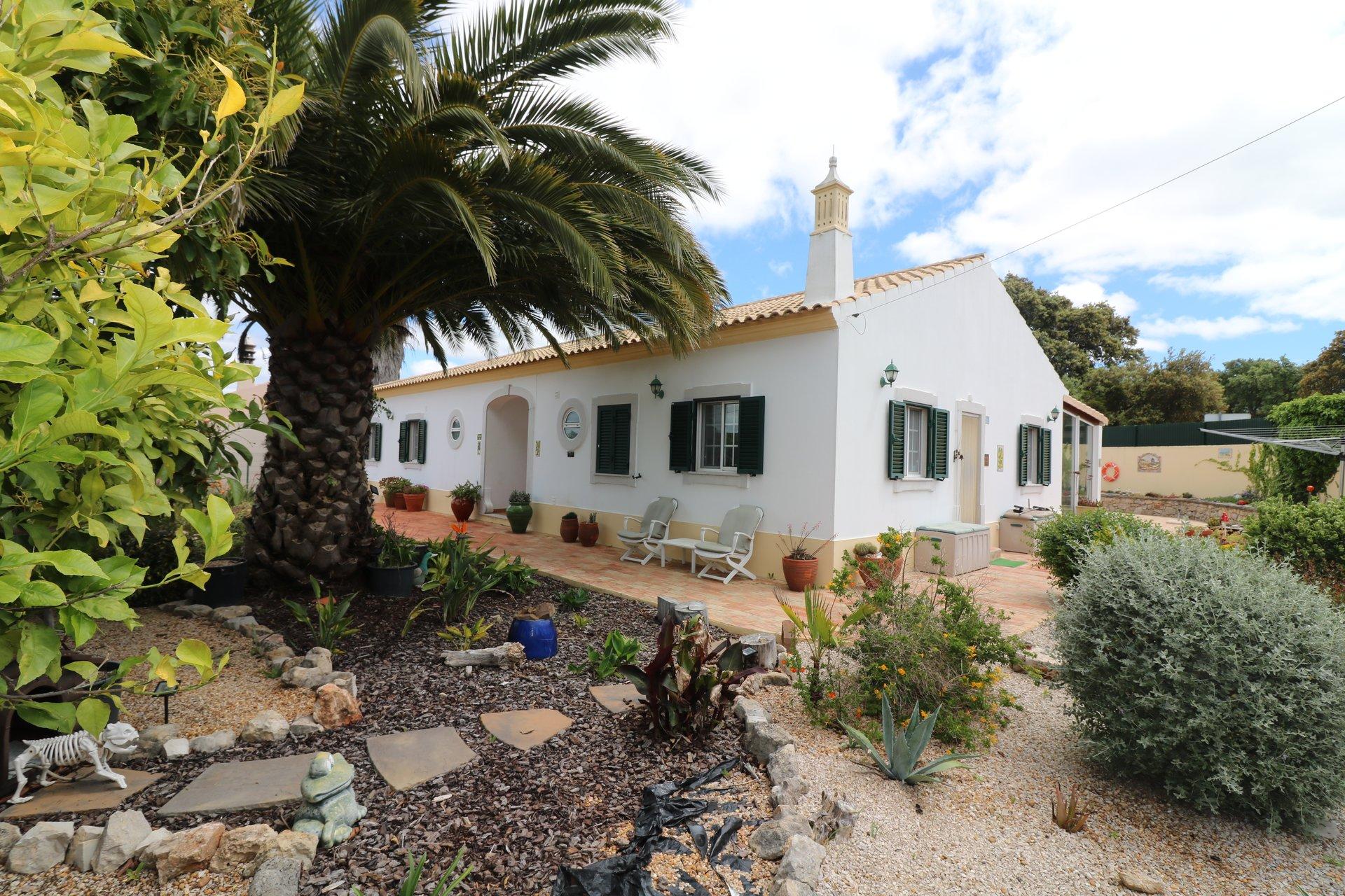 3 Bedroom Villa Sao Bras de Alportel, Central Algarve Ref: JV10352