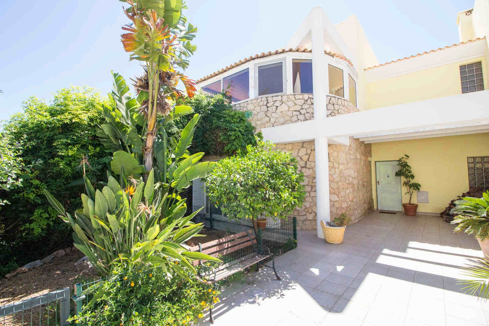 3 Bedroom Villa Loule, Central Algarve Ref: PV3479