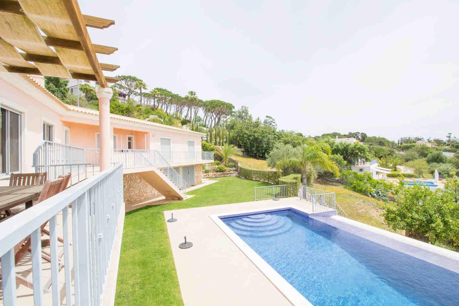 3 Bedroom Villa Sao Bras de Alportel, Central Algarve Ref: PV3475