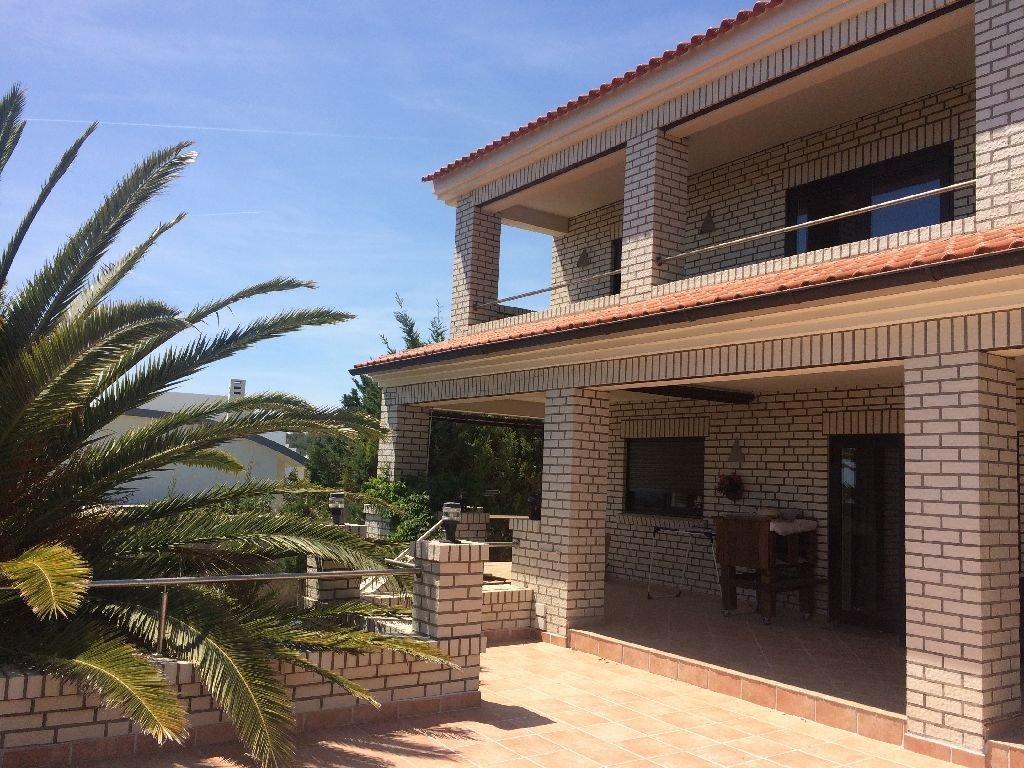 6 Bedroom Villa Burgau, Western Algarve Ref: GV568