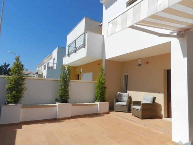 2 Bedroom Townhouse Burgau, Western Algarve Ref: GV576