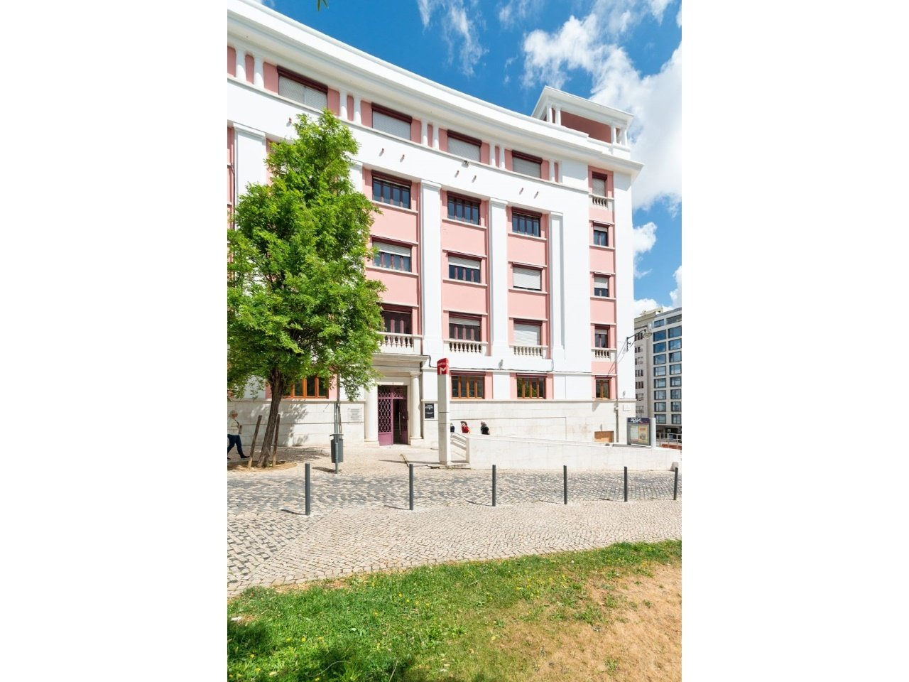 2 Bedroom Apartment Lisbon, Lisbon Ref: AAM177