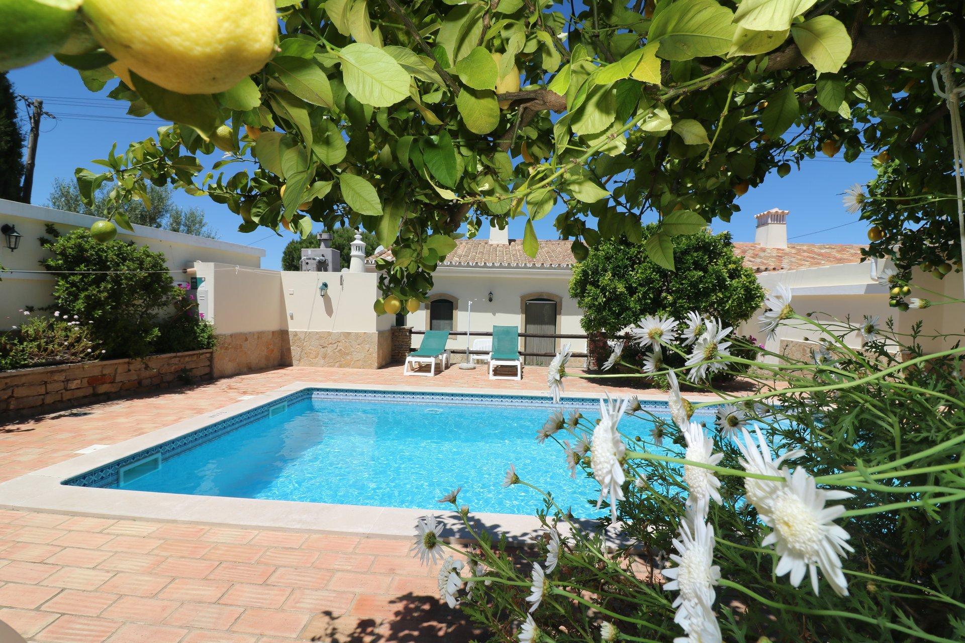 2 Bedroom Villa Sao Bras de Alportel, Central Algarve Ref: JV10355