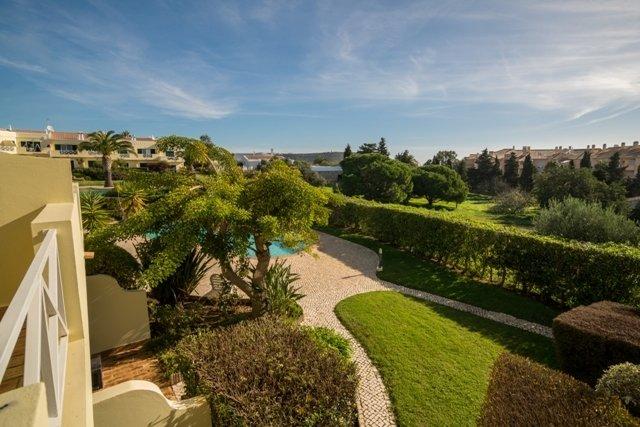 2 Bedroom Villa Praia da Luz, Western Algarve Ref: GV567