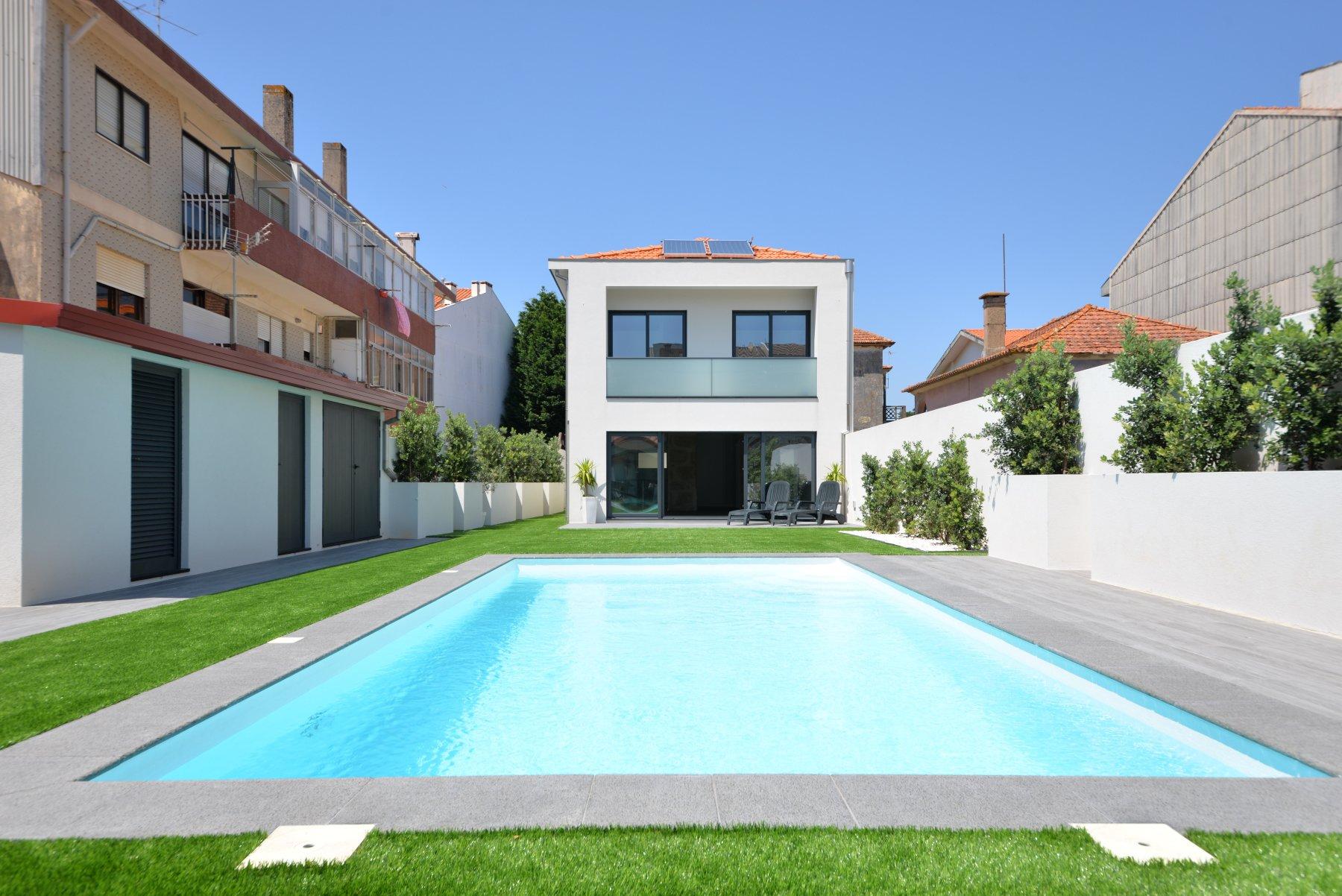 3 Bedroom Villa Espinho, Porto Ref: AVP41
