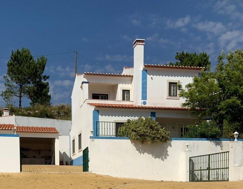 2 Bedroom Villa Obidos, Silver Coast Ref: AV1994