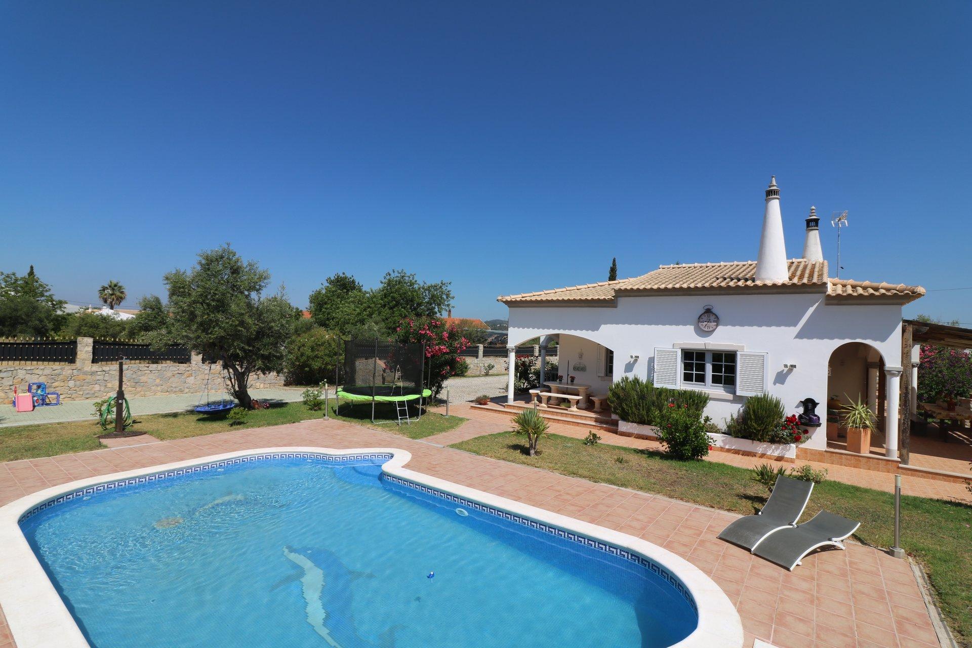 3 Bedroom Villa Sao Bras de Alportel, Central Algarve Ref: JV10369