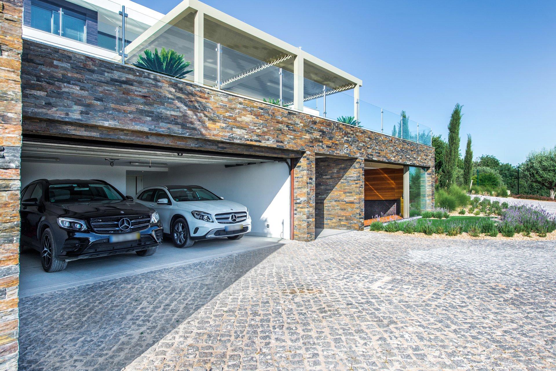 4 Bedroom Villa Vilamoura, Central Algarve Ref: MV22750