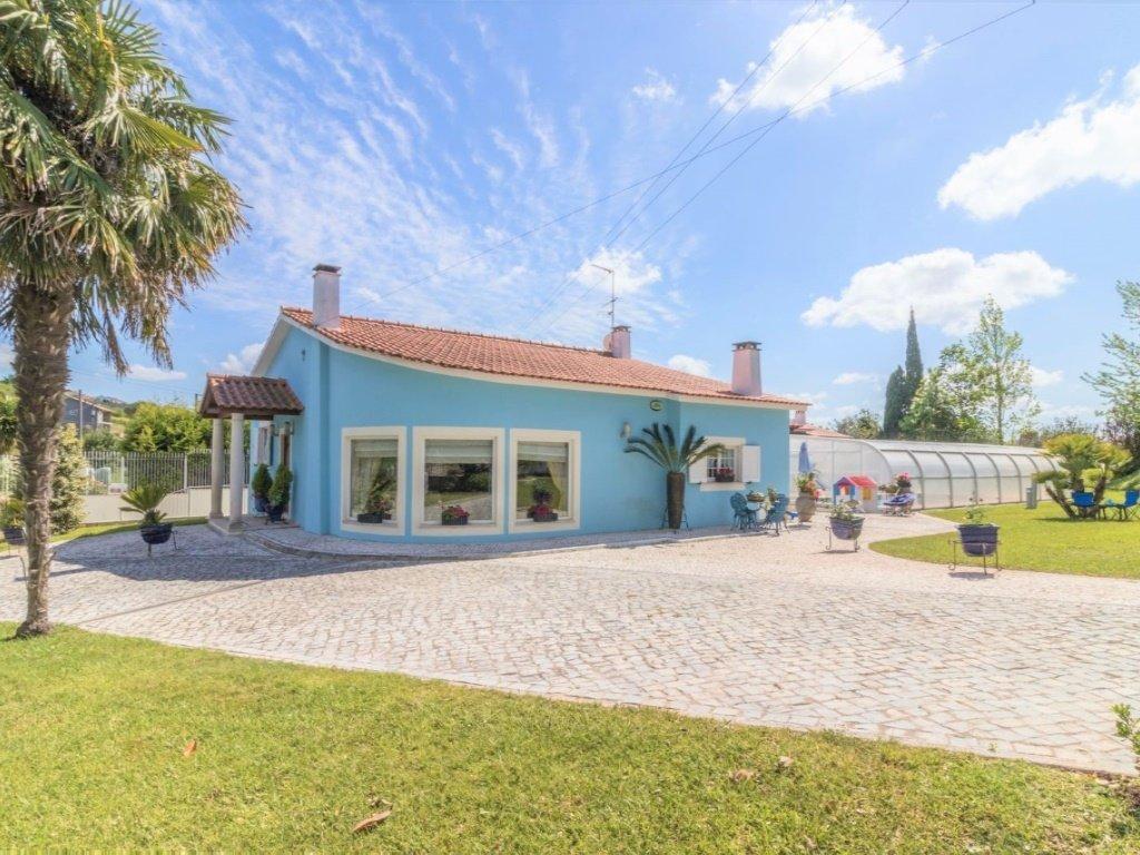 4 Bedroom Villa Alcobaca, Silver Coast Ref: AV1993