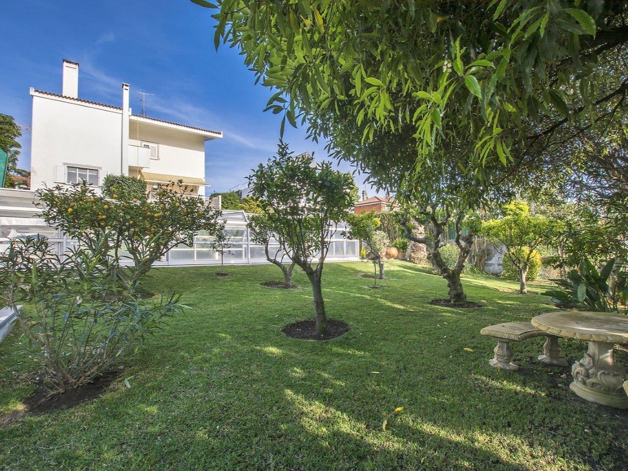 10 Bedroom Villa Lisbon, Lisbon Ref: AVM182