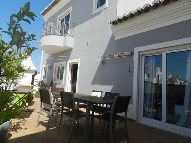 4 Bedroom Villa Burgau, Western Algarve Ref: GV579