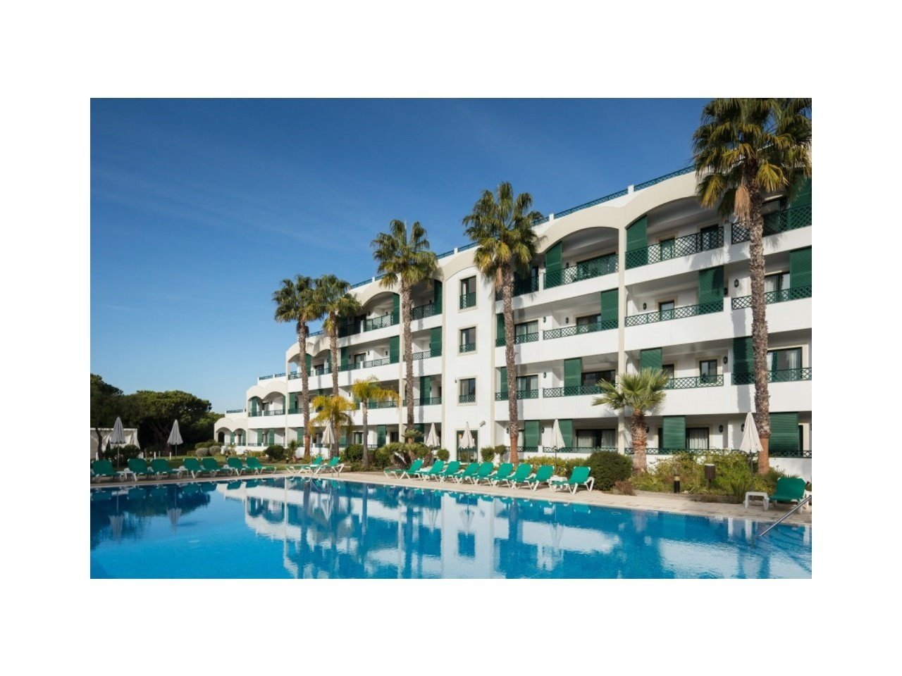 2 Bedroom Apartment Almancil, Central Algarve Ref: AAA49