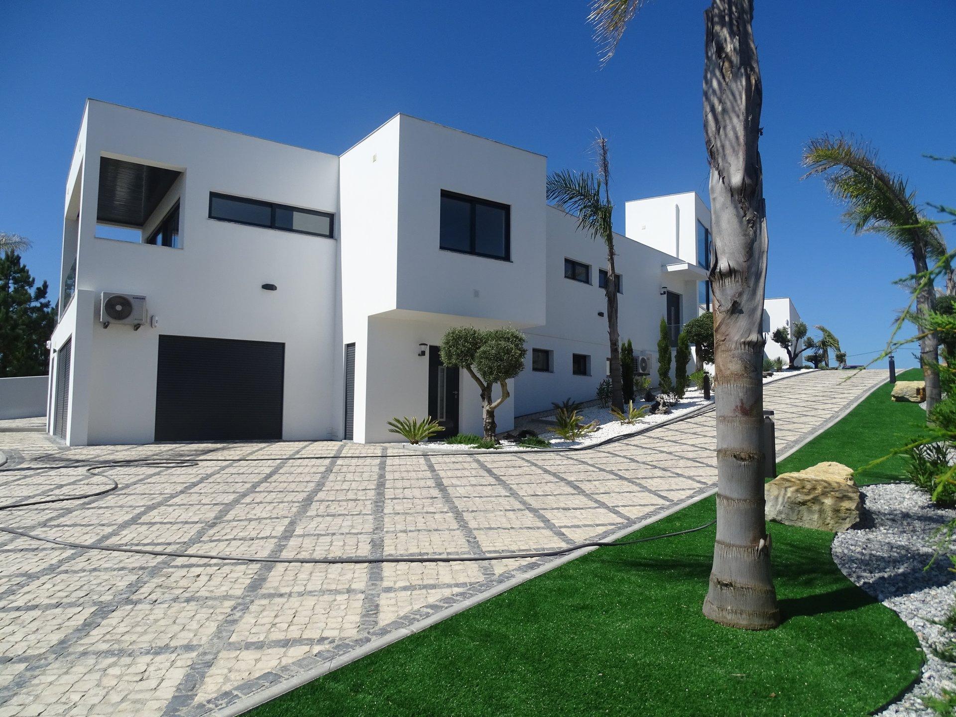 6 Bedroom Villa Foz do Arelho, Silver Coast Ref: AV2008