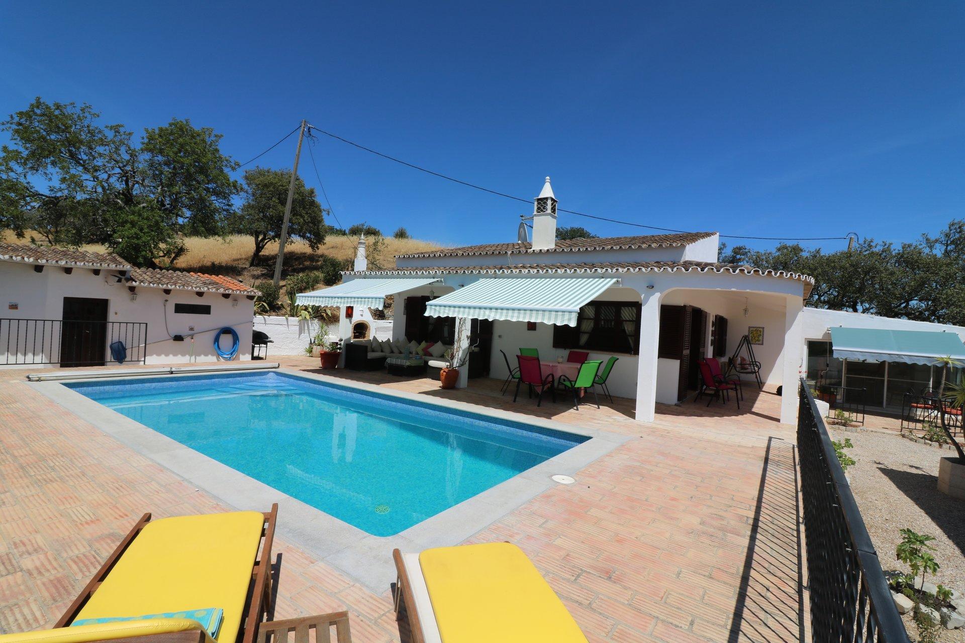 3 Bedroom Villa Sao Bras de Alportel, Central Algarve Ref: JV10377