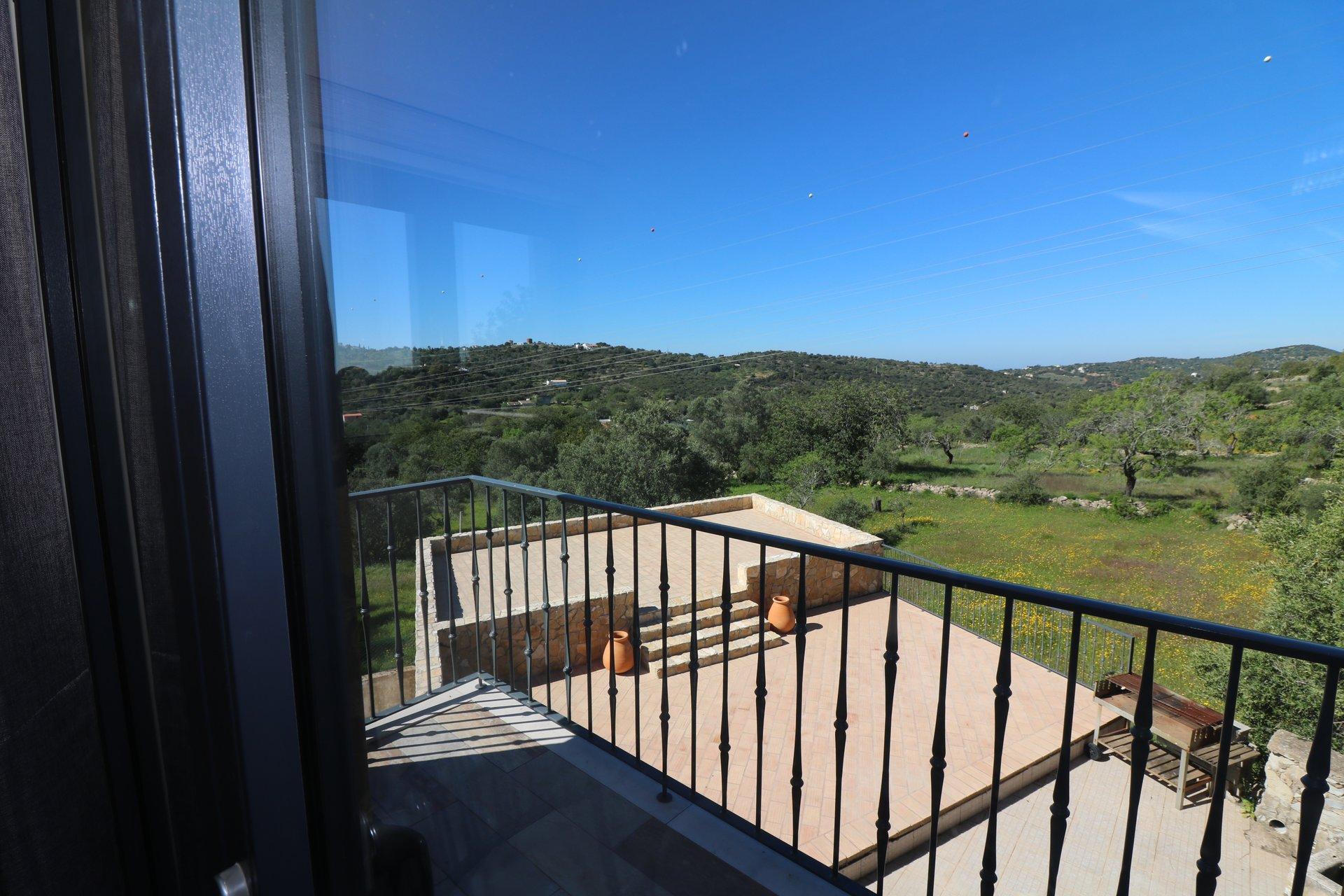 4 Bedroom Villa Estoi, Central Algarve Ref: JV10379
