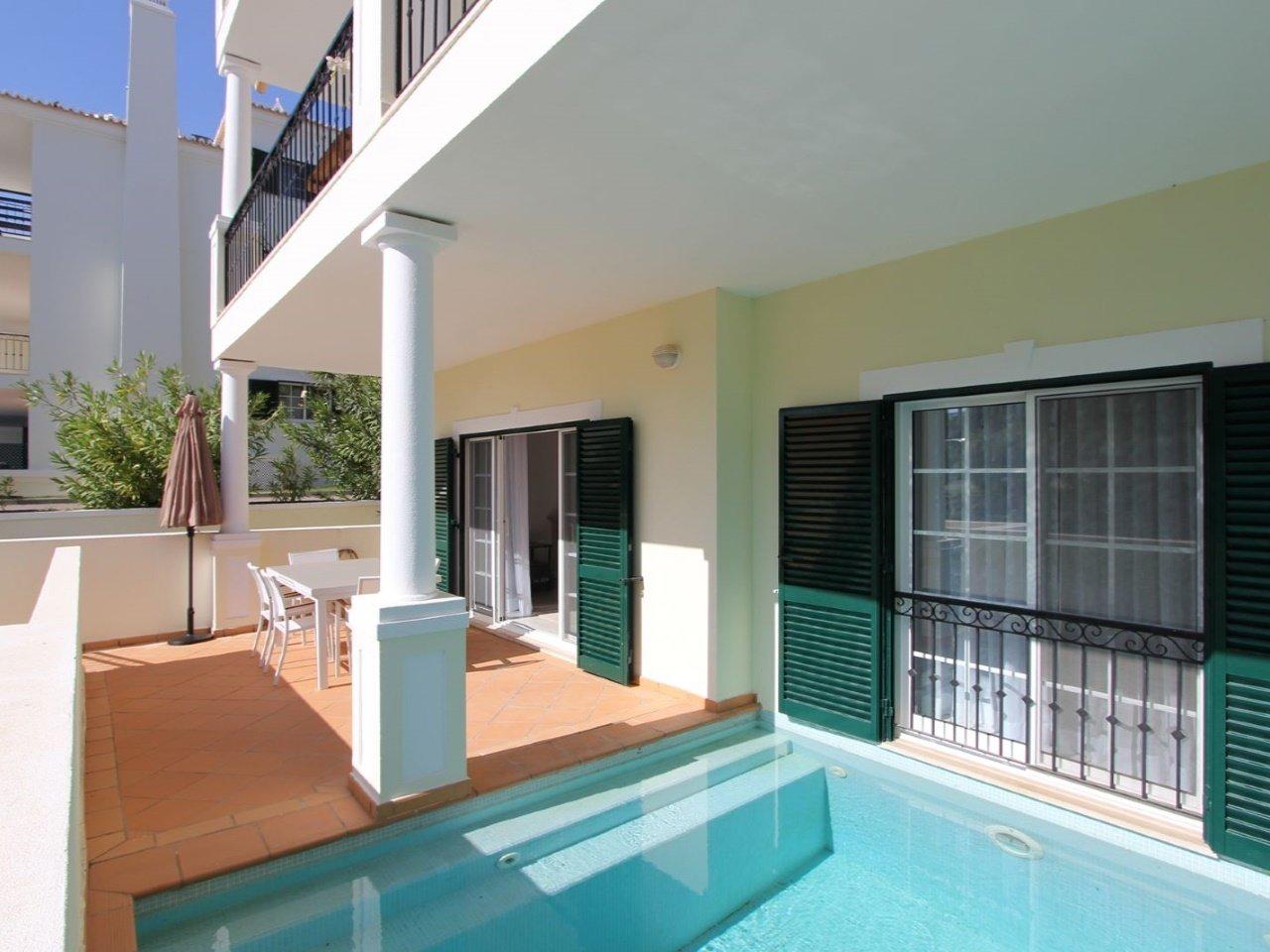 3 Bedroom Apartment Vale do Lobo, Central Algarve Ref: AAA56